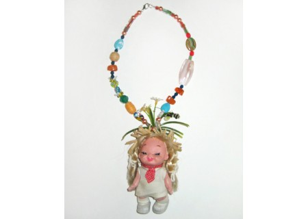 /shop/49-87-thickbox/bumble-bee-and-daisy-summer-days-doll-necklace.jpg